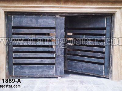 1889-A درب پارکینگ طرح چوب